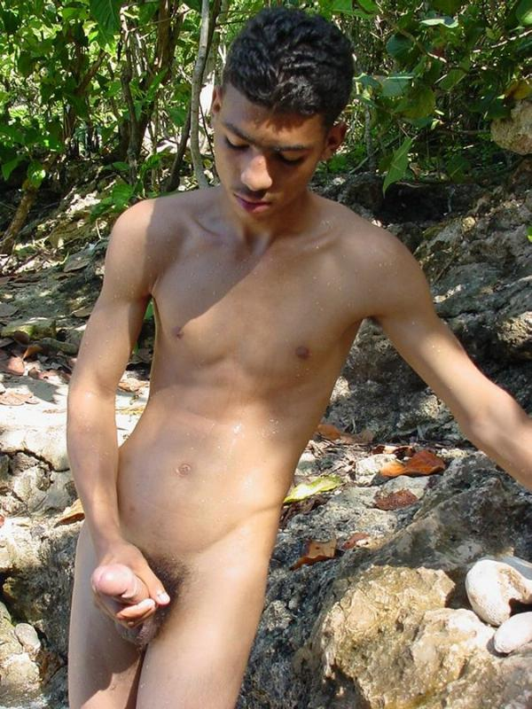 Boys free and naked